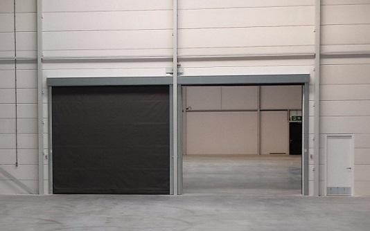Se vores udvalg af Gardin Porte til industri
